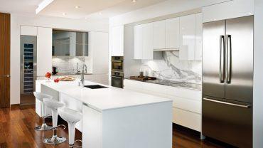 cuisine11-blanche-marbre-bois-realisations-andre-rousseau-construction